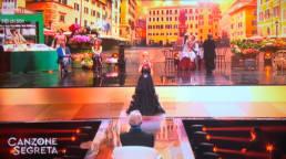 Nancy Brilli in Mario Costantino Triolo Alta Moda • Canzone Segreta RAI 1